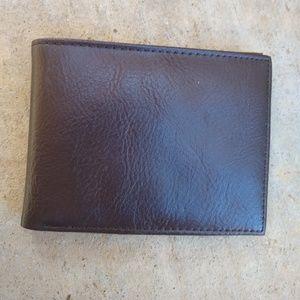 Gap | brown faux leather bifold wallet